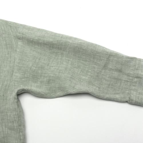 ゆとりのある二の腕回りと袖口